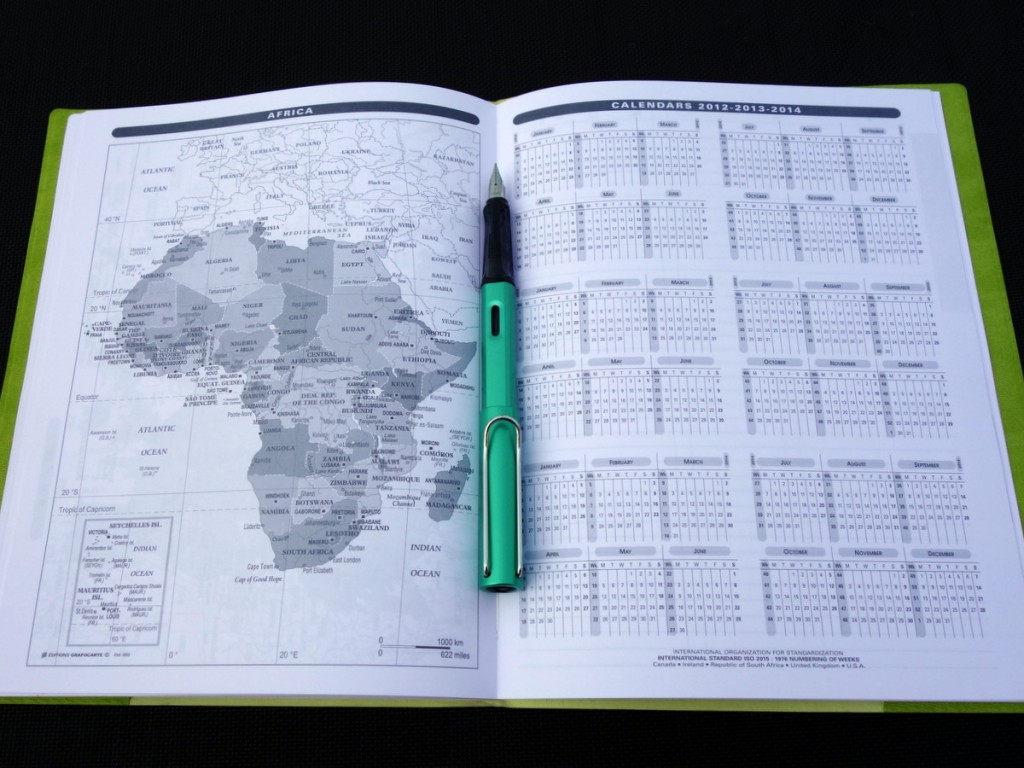 Quo Vadis Monthly 4 map of Africa & 3 yearly calendars